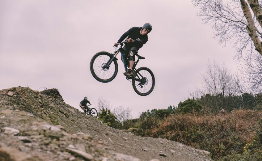 MOUNTAIN BIKING: ADVENTURE, THRILL AND LOTS OF FUN